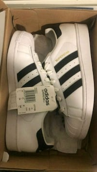 paire superstar blanche adidas taille 40.