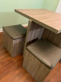 Kitchens dining table