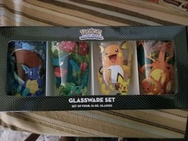NIB Pokemon glass set.