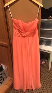 Bridesmaid dress, size 6. Worn once   Mississauga, L5R 2Z5