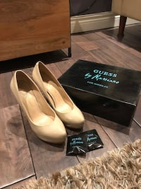 MARCIANO size 8 nude pumps  535 km