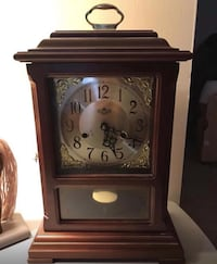 Beautiful Wind Up Mantel Clock With Key South Elgin, 60177