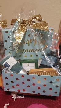 Gift basket (for a male) Sacramento, 95826