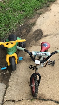 toddler's green and black trike Upper Marlboro, 20772
