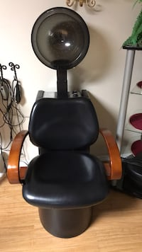 black and red leather rolling armchair 46 km