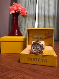"""INVICTA Gold and Silver """"SKULL"""" Mens Watch Charlotte, 28208"""