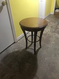 Wood side table NEED GONE ASAP  Washington, 20011