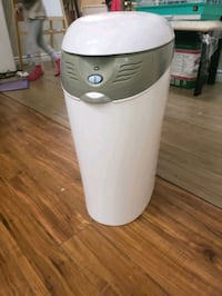Diaper disposal bin by learning curve.