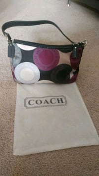 black and pink Coach leather crossbody bag Edmonton, T6J 4M5