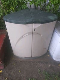 Rubbermaid out door cabinet