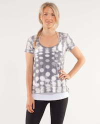 Lululemon perfect layer tee  Belleville, K8P