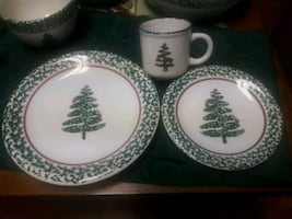 Christmas Dishes for 12