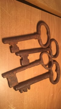 Late 1700's- cast iron jail keys Bakersfield, 93308