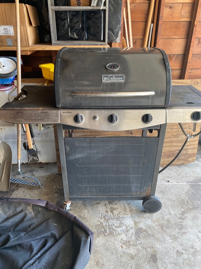 Photo BBQ GRILL AND COVER
