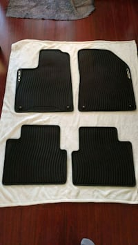 2015 and newer Chrysler 200 all weather floor mats Pitt Meadows, V3Y 2M3