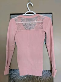 Pink v-neck sweater with some lace size small Calgary, T2E 0B4