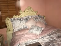 Antique Bed Frame/Headboard and matching Nightstand Montebello, 90640