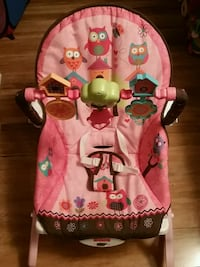 baby's pink and white bouncer Springfield, 22153
