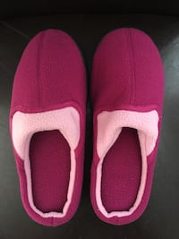 Memory Foam Slippers - Brand new Size 9 Vaughan, L4H 3R4