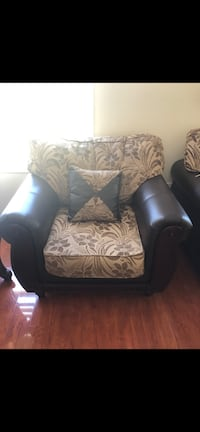 Couches for sale  Brampton, L6P 1T8