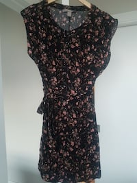Forever 21 never worn size XS Calgary, T2E 3S7