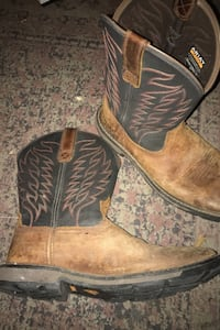 Nice work boots only worn twice good condition. (Not steel toe)