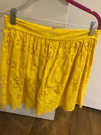 Kate spade girls yellow lace skirt Toronto, M6B 2N2