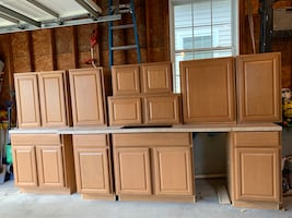 Kitchen cabinet set