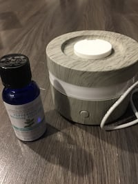 Mini portable diffuser and peppermint essential oil