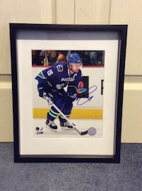 Marcus Naslund signed and framed photo  Châteauguay, J6K
