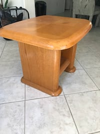 round brown wooden pedestal table Ocala, 34476