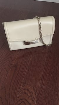 Kate spade leather satchel bag with gold chain. Vienna, 22182