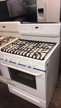 Brand New gas stove 5 burners 4 months warranty  78 km