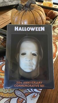 30th anniversary dvd collection of Halloween*unopened*