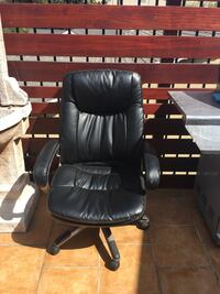 black leather office rolling armchair Los Angeles, 90066