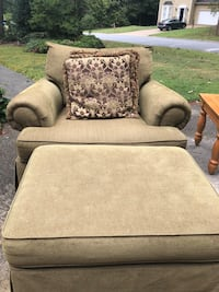 Broyhill oversized chair and ottoman Snellville, 30039