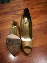 Beige leather shoes size 9 Mississauga, L4X 1S2