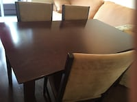 Nice wooden table with 4 chairs  Montréal, H3C 4C8