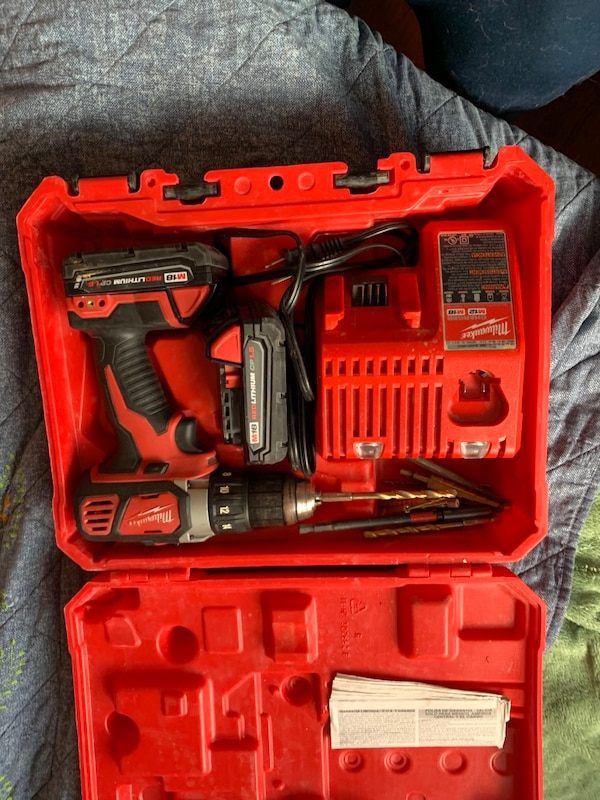 Milwaukee drill with case, charger, and 2 batteries a08785be-f679-4764-85fb-680db5144f4e