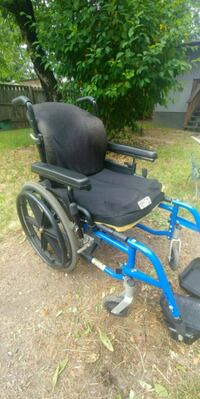 breezy 510 wheelchair 200$ used good cond from pet Nanaimo, V9X 1W6
