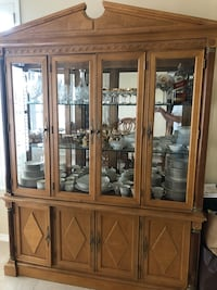 Brown wooden china cabinet Gilbert, 85233