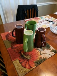 Today coffee mugs set of 2 green 2 brown Woodbridge, 22192