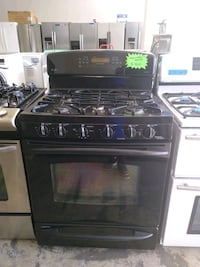 gas stove and Electric ove excellent condition 4 months of warrant Bowie, 20715