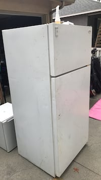 white top-mount refrigerator Long Beach, 90808