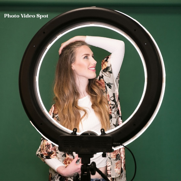 Beauty/Diva Ring Light / great for photos & youtube videos / BRAND NEW a1655272-5957-4a76-87e3-40a9f64e920b
