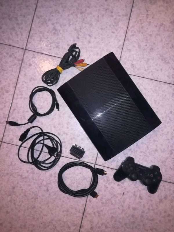 Ps3 superslim 500gb completa di tutto
