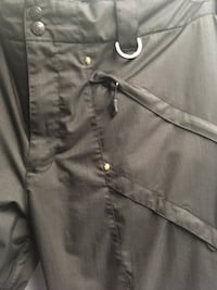 Women's size 3x Boulder snow pants. Fully lined, warm. Excellent condition. Worn less than 10x during 1 season. Used while snowshoeing. Size 22