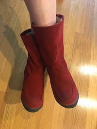 Beautiful red suede boots with fleece lined 欢乐谷, 97086