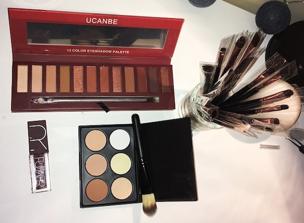 NEUF MAQUILLAGE LOT