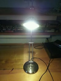 Beautiful,  stainless steel desk or bed lamp... Galloway, 43119